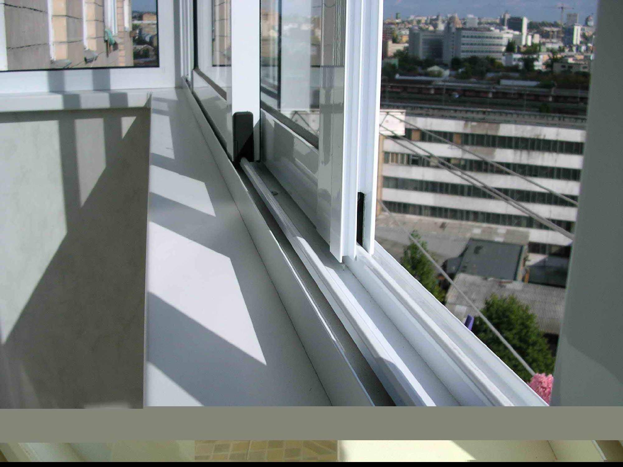 Остекление и отделка балконов (63 фото): отзывы о внутренней.